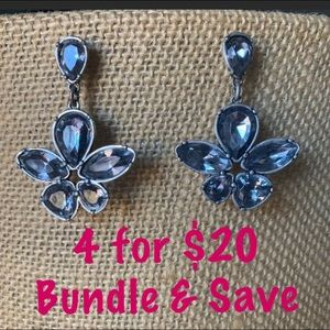 Charming Charlie Jewelry - EUC Vibrant Flower Earrings